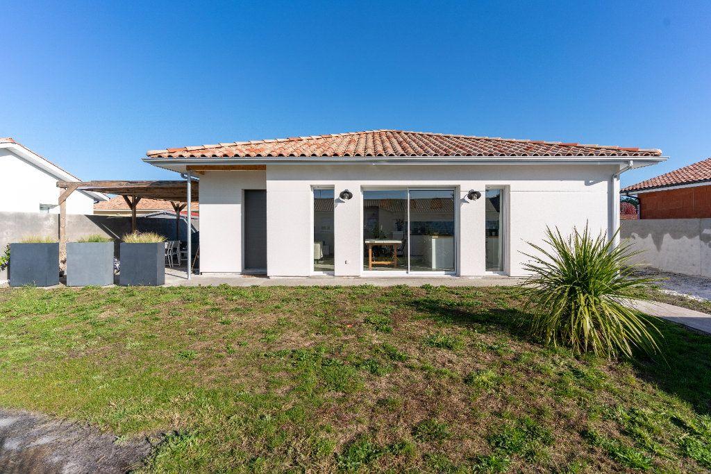 Maison à vendre 4 90m2 à Parentis-en-Born vignette-1