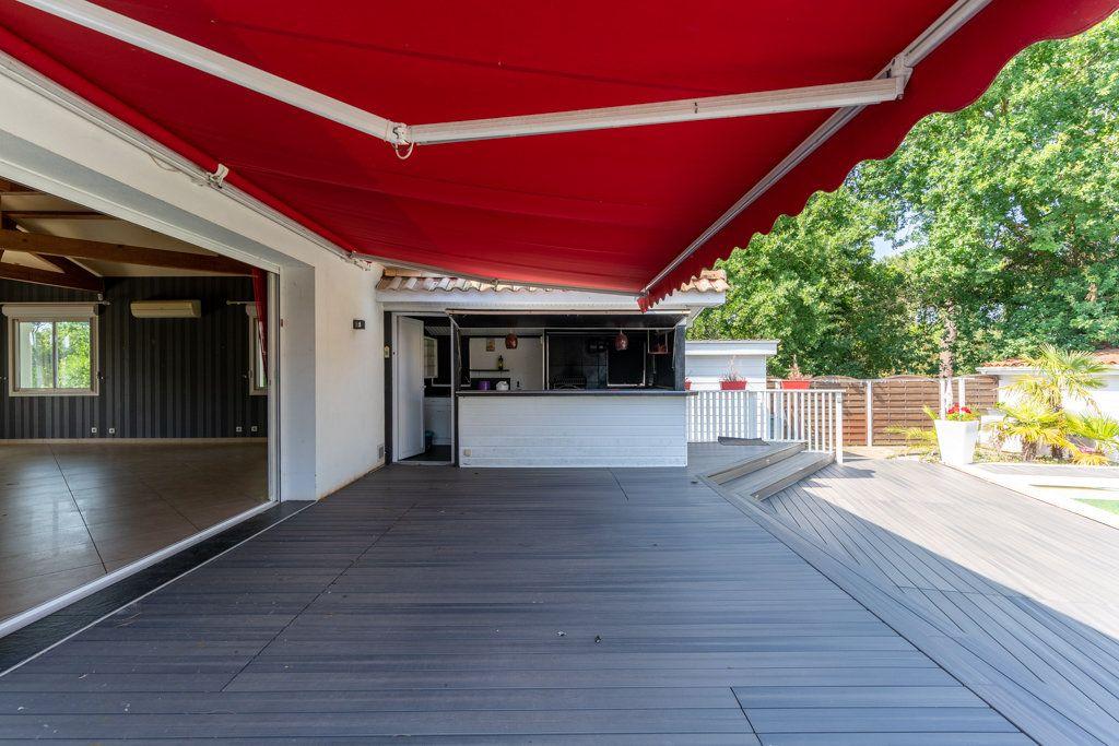 Maison à vendre 4 168m2 à Biscarrosse vignette-3