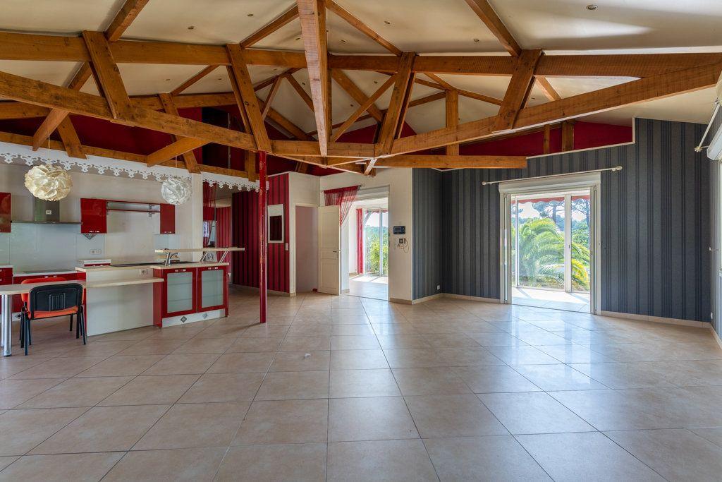 Maison à vendre 4 168m2 à Biscarrosse vignette-5