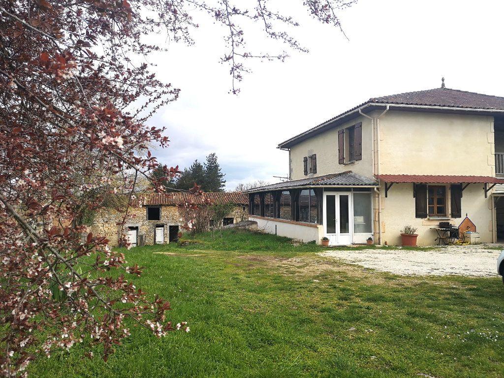 Maison à vendre 6 150m2 à La Rochefoucauld vignette-15