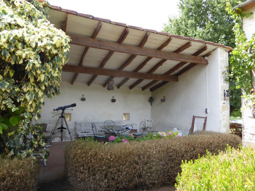 Maison à vendre 6 157m2 à La Rochefoucauld vignette-12