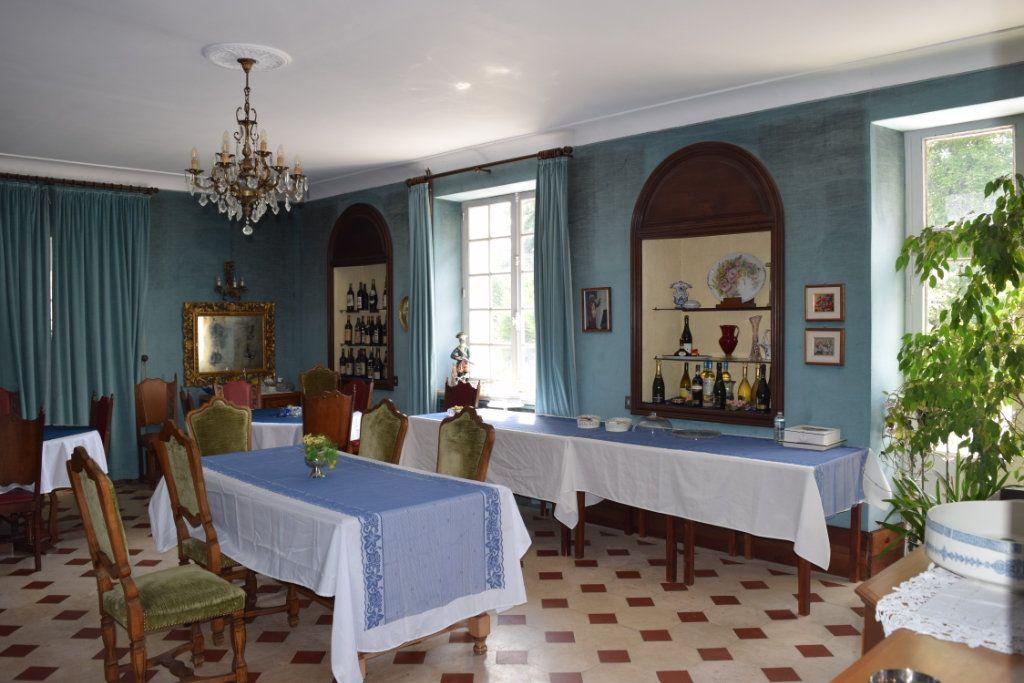 Maison à vendre 11 506m2 à La Rochefoucauld vignette-3