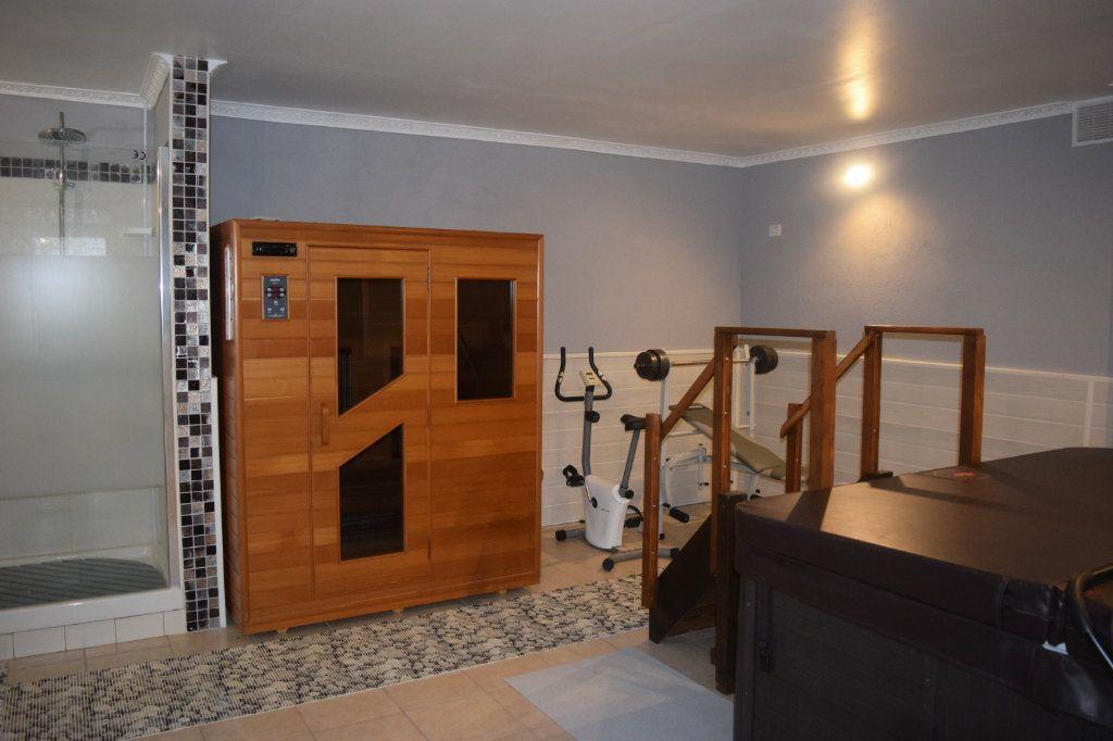Maison à vendre 11 506m2 à La Rochefoucauld vignette-15