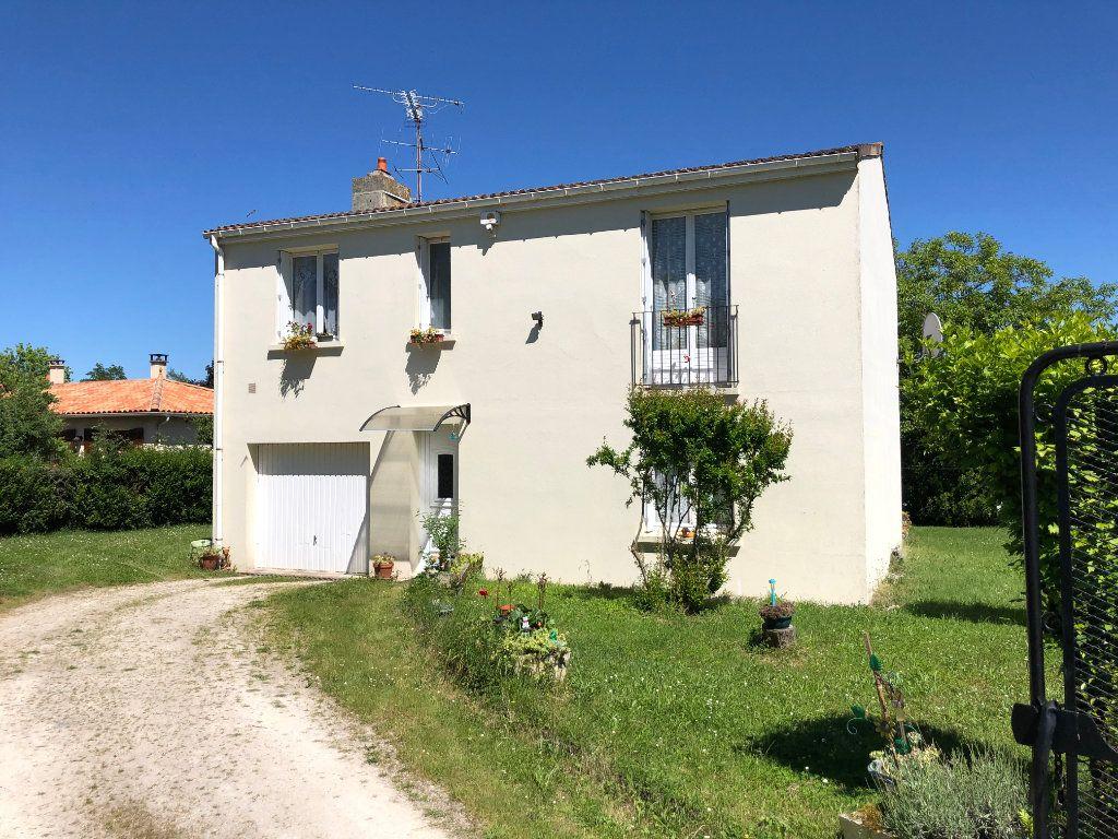 Maison à vendre 4 88m2 à La Rochefoucauld vignette-2