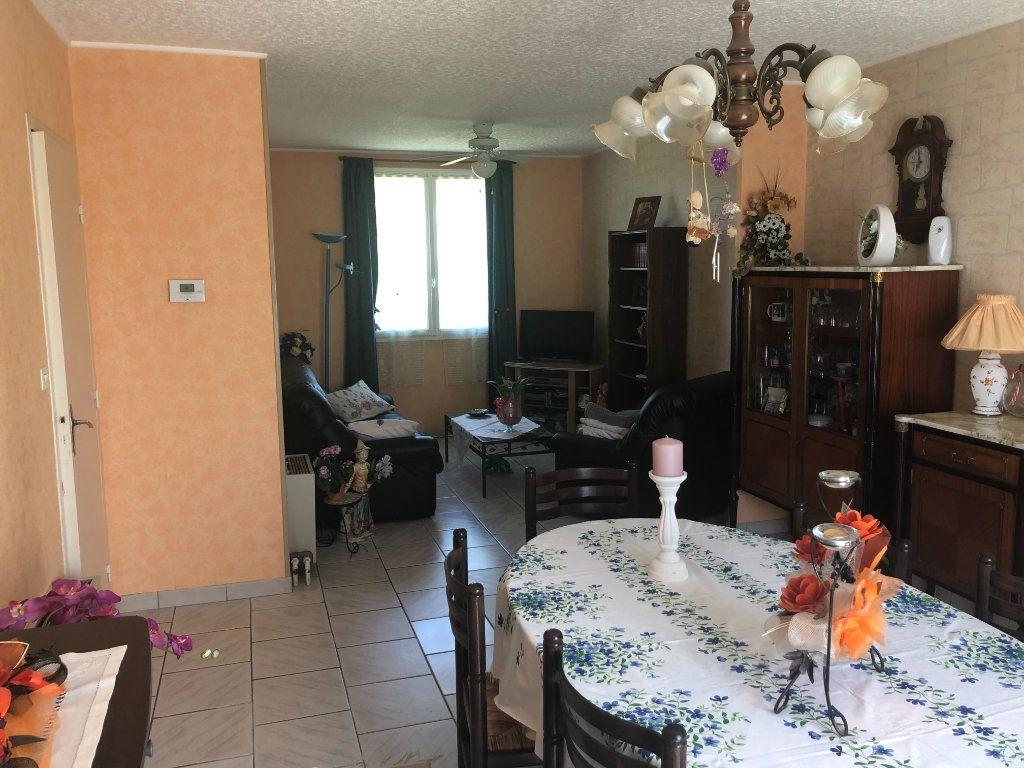 Maison à vendre 4 88m2 à La Rochefoucauld vignette-3
