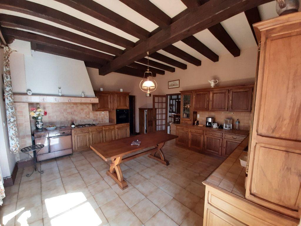 Maison à vendre 14 700m2 à Les Salles-Lavauguyon vignette-4