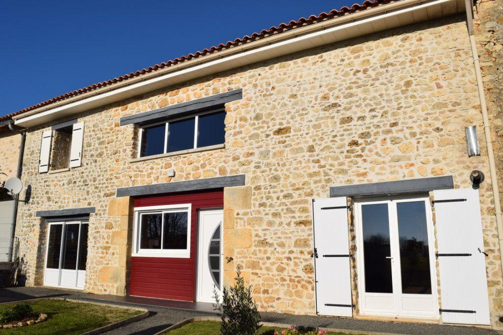 Maison à vendre 7 170m2 à Marillac-le-Franc vignette-1