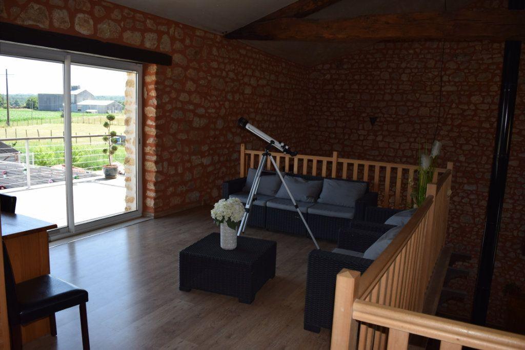 Maison à vendre 7 170m2 à Marillac-le-Franc vignette-4