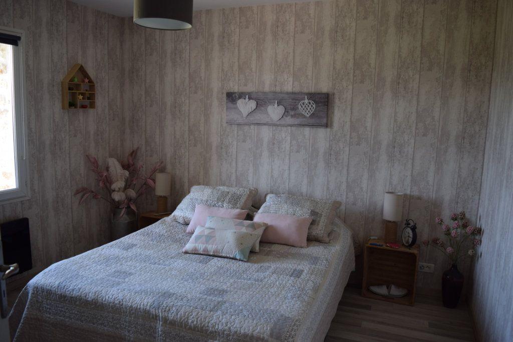 Maison à vendre 7 170m2 à Marillac-le-Franc vignette-5