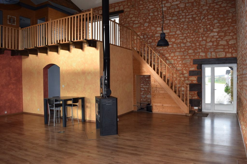 Maison à vendre 7 170m2 à Marillac-le-Franc vignette-9