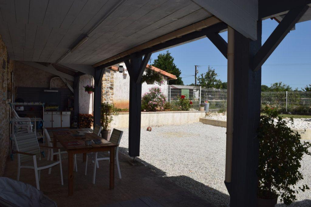 Maison à vendre 7 170m2 à Marillac-le-Franc vignette-10