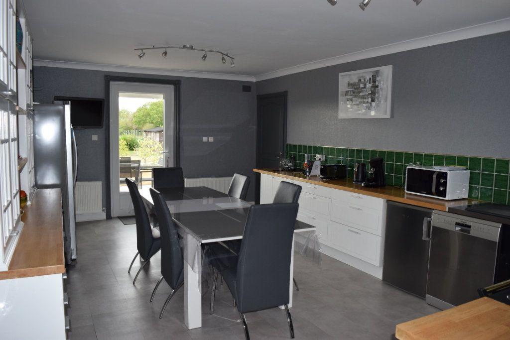 Maison à vendre 7 221m2 à Saint-Angeau vignette-3