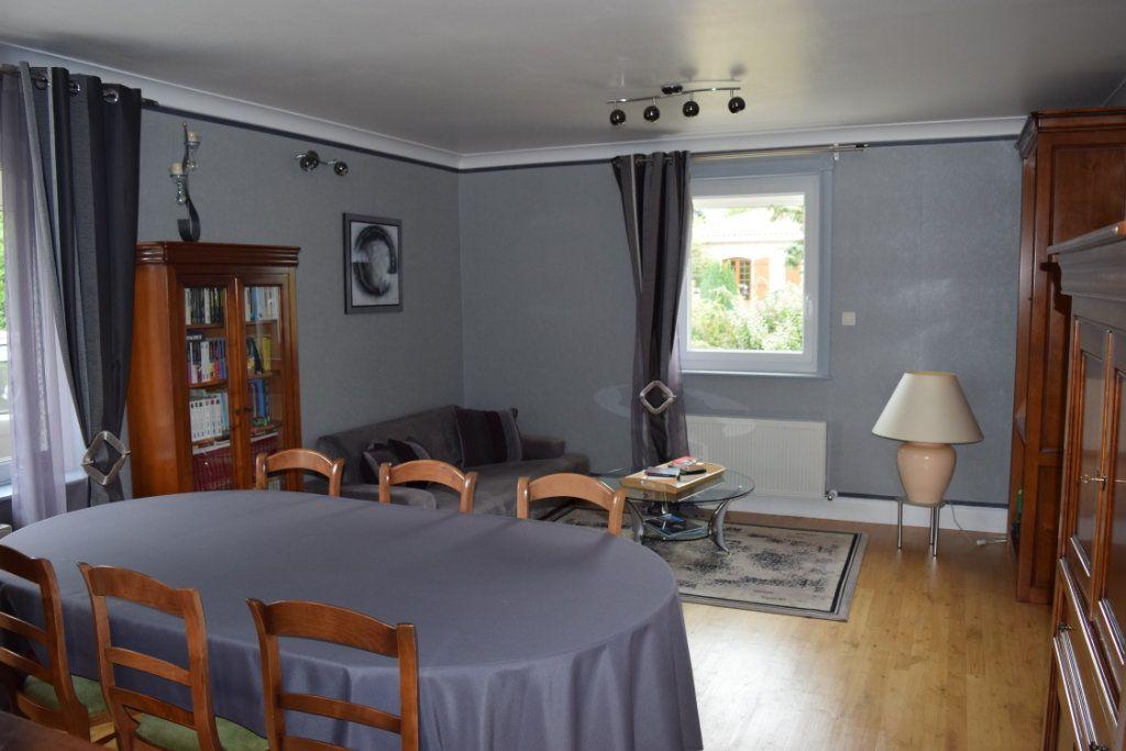 Maison à vendre 7 221m2 à Saint-Angeau vignette-6