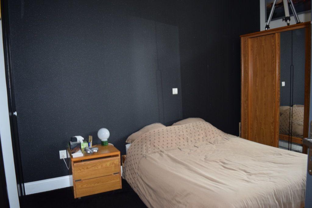 Maison à vendre 7 221m2 à Saint-Angeau vignette-10
