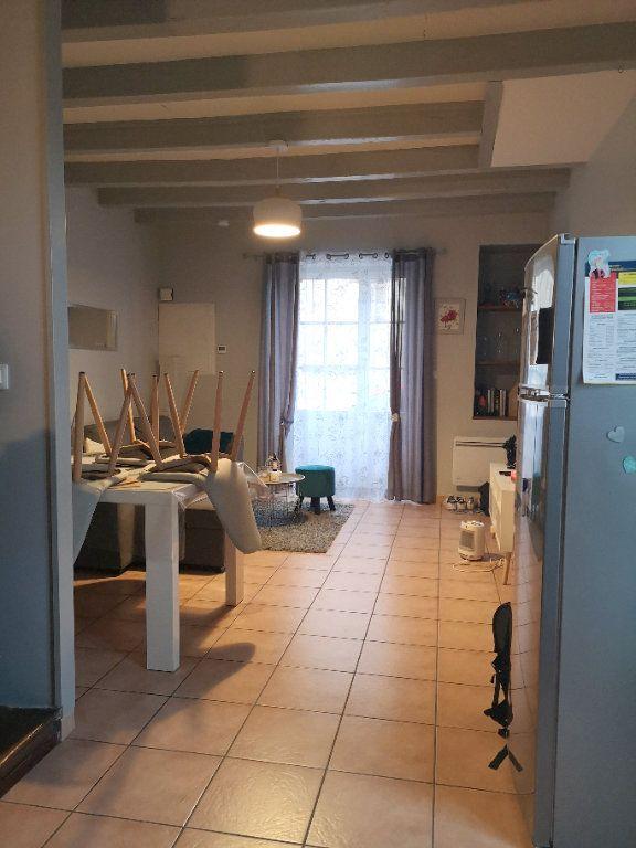Maison à vendre 5 122m2 à La Rochefoucauld vignette-2