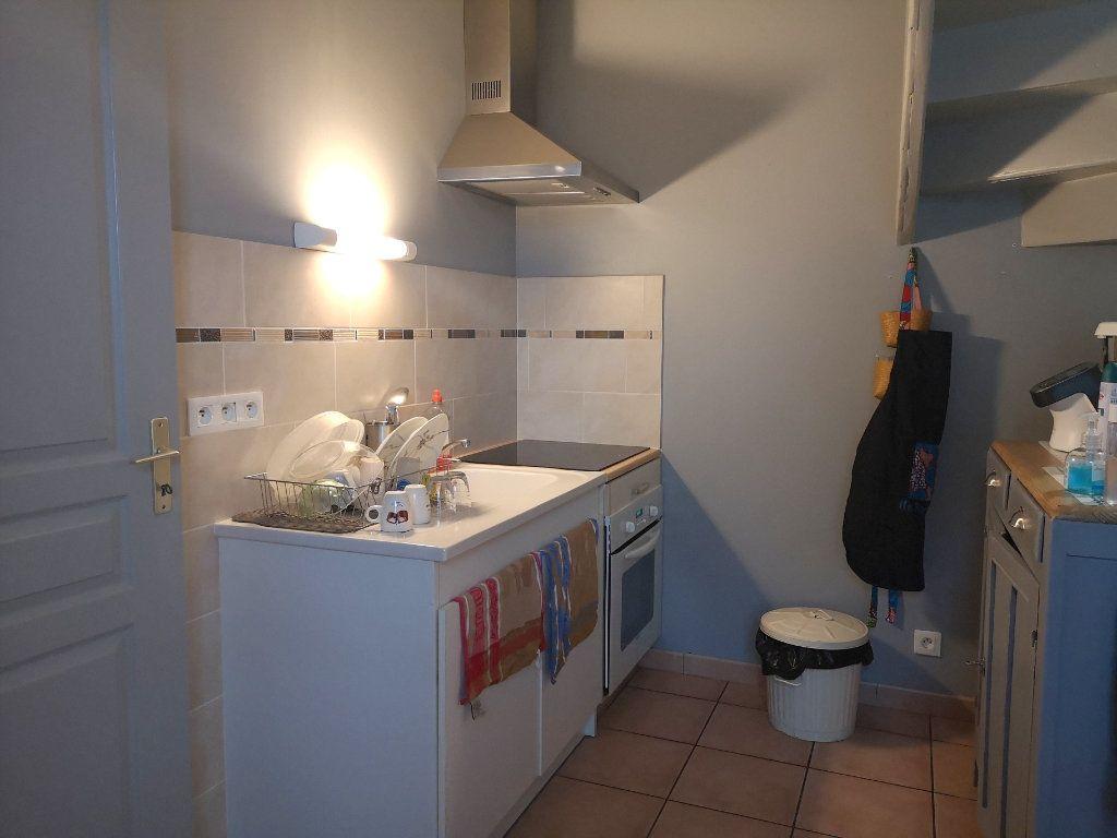Maison à vendre 5 122m2 à La Rochefoucauld vignette-3