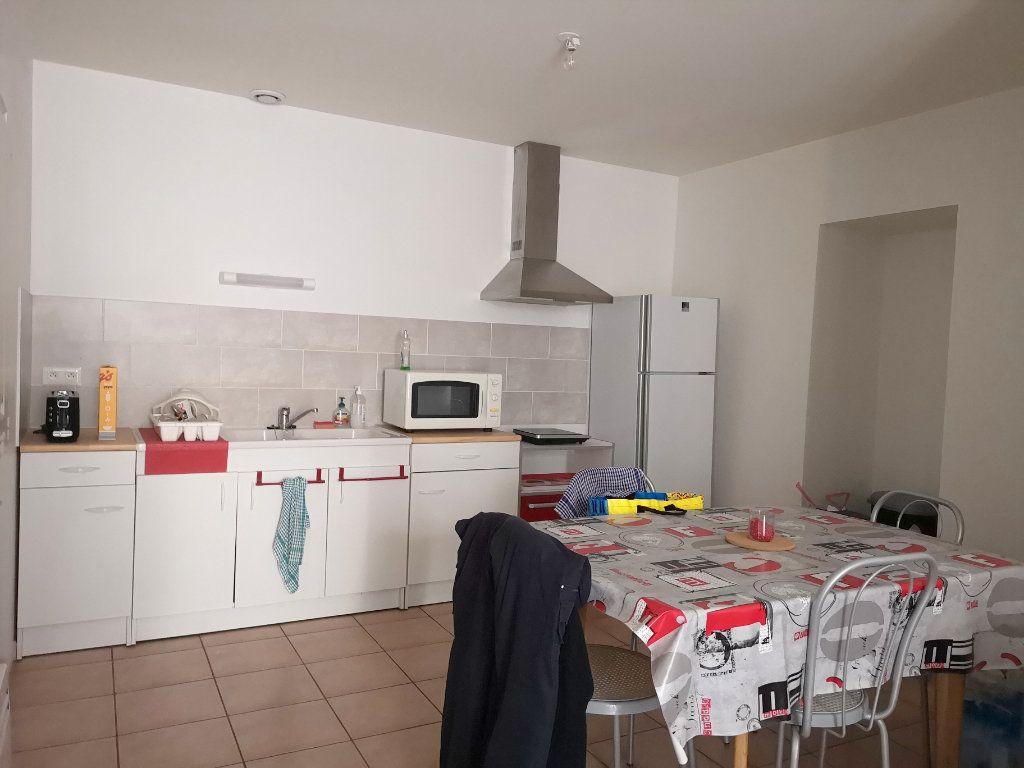 Maison à vendre 5 122m2 à La Rochefoucauld vignette-10