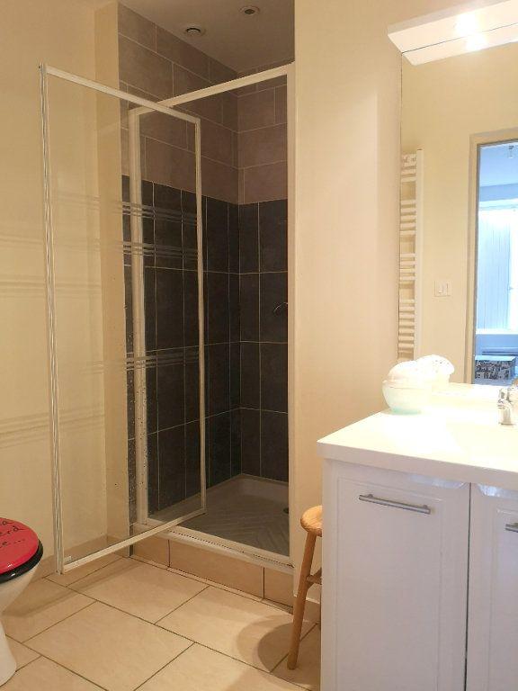 Maison à vendre 5 122m2 à La Rochefoucauld vignette-12