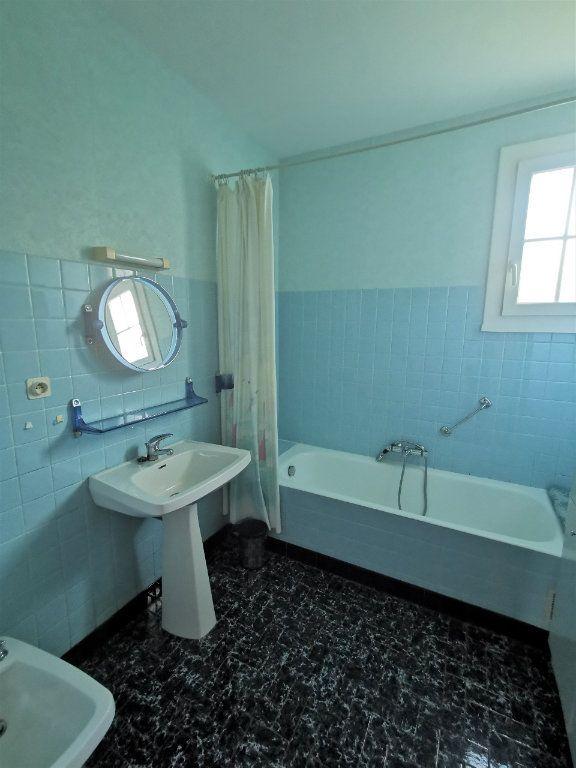 Maison à vendre 4 70m2 à Roumazières-Loubert vignette-9