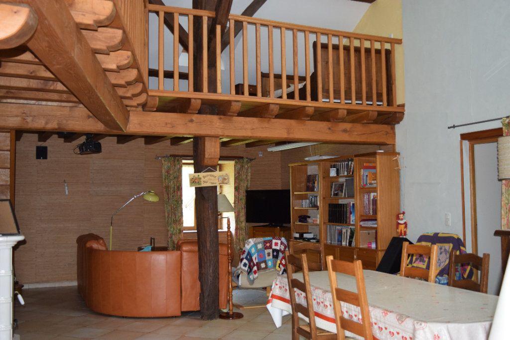 Maison à vendre 10 350m2 à Montbron vignette-5
