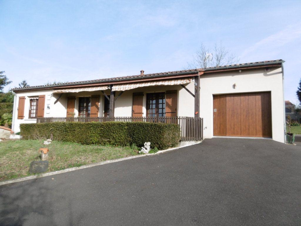 Maison à vendre 6 112m2 à Taponnat-Fleurignac vignette-1