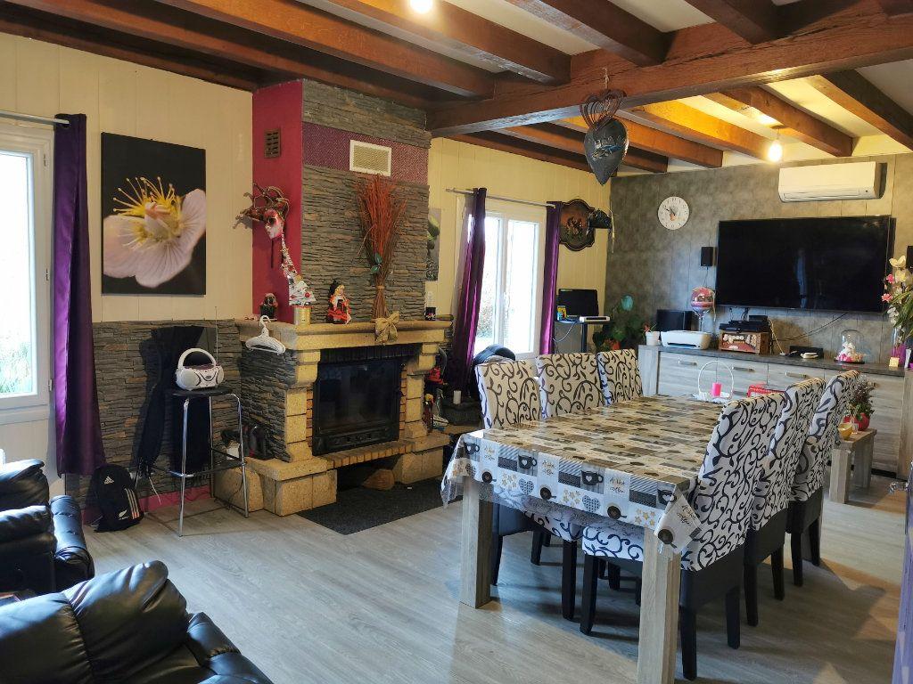 Maison à vendre 8 176m2 à Cellefrouin vignette-2