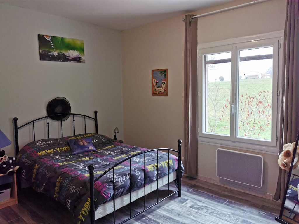 Maison à vendre 8 176m2 à Cellefrouin vignette-8