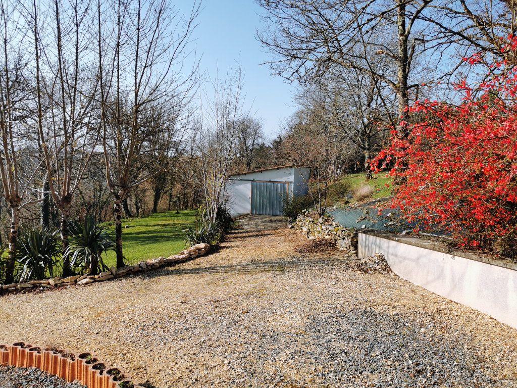 Maison à vendre 8 176m2 à Cellefrouin vignette-16