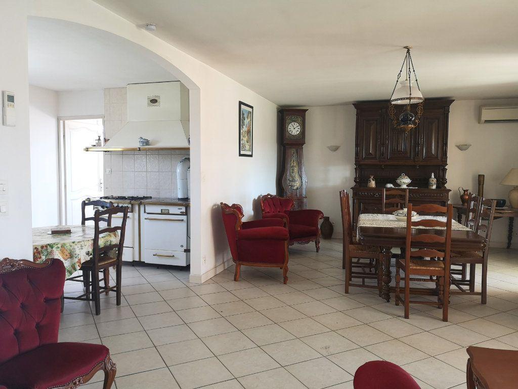 Maison à vendre 4 101m2 à Saint-Claud vignette-3
