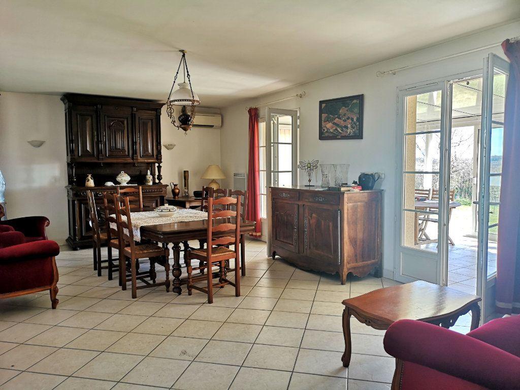 Maison à vendre 4 101m2 à Saint-Claud vignette-4