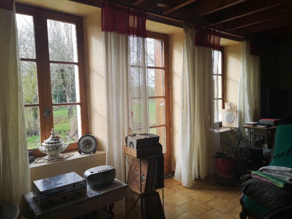 Maison à vendre 6 185m2 à Lussac vignette-7