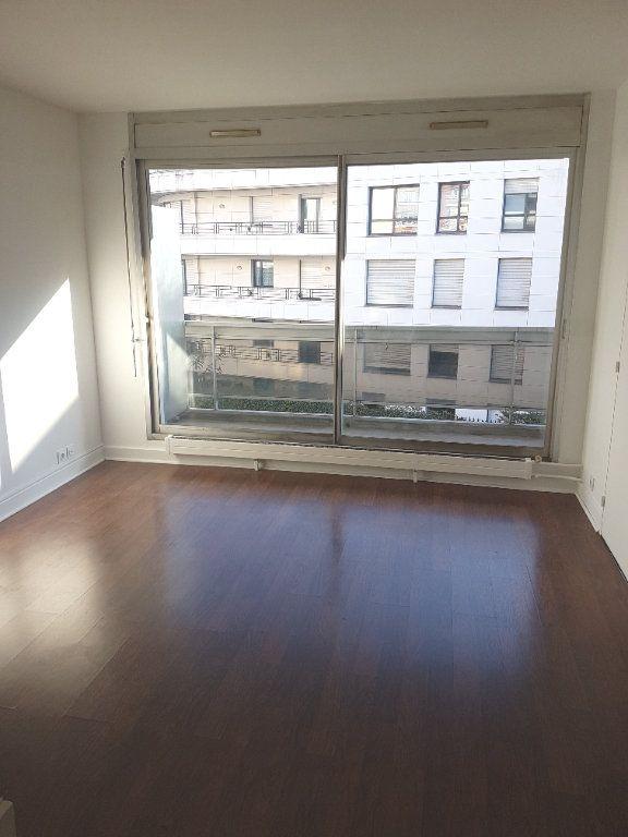 Appartement à louer 1 28.66m2 à Boulogne-Billancourt vignette-1