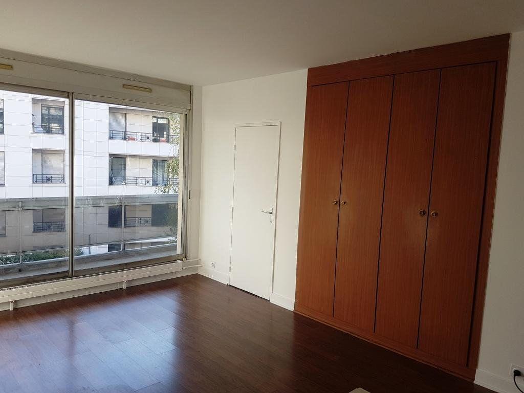 Appartement à louer 1 28.66m2 à Boulogne-Billancourt vignette-2