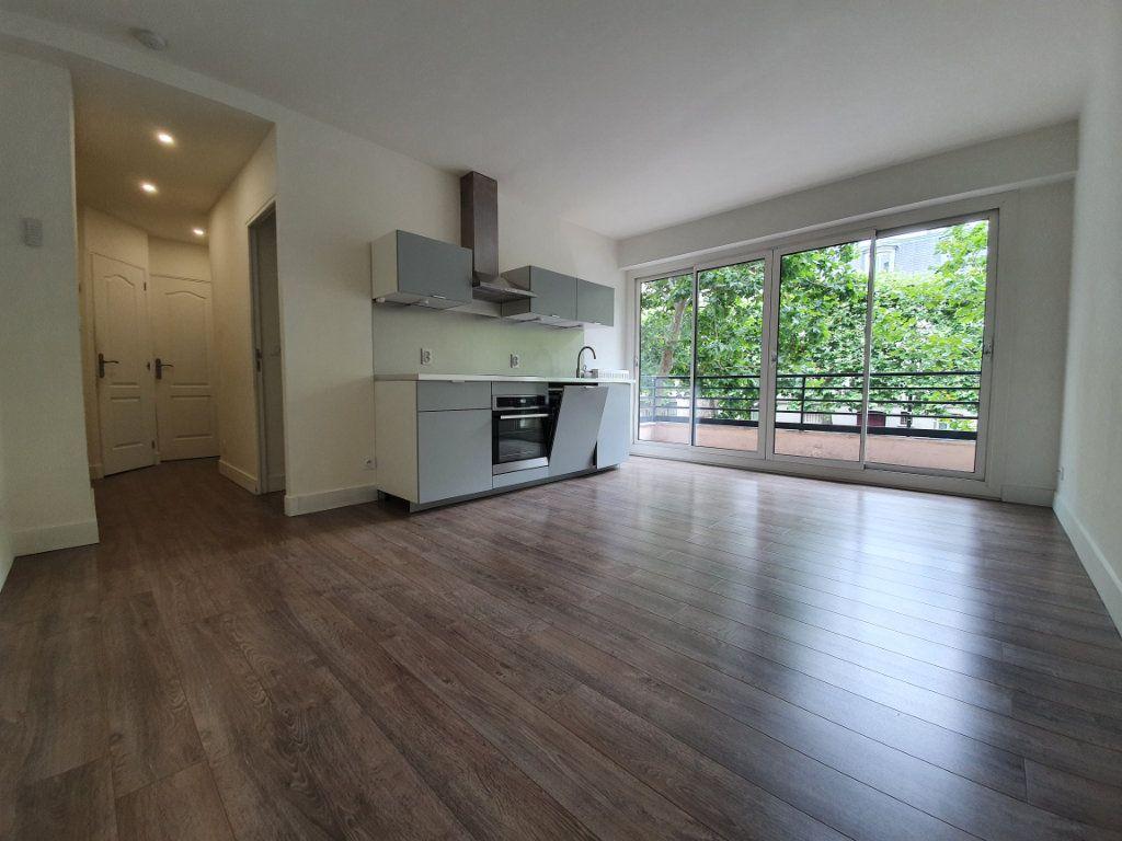 Appartement à louer 2 38m2 à Boulogne-Billancourt vignette-1