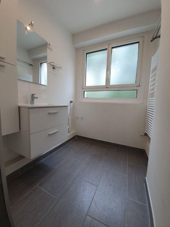 Appartement à louer 2 38m2 à Boulogne-Billancourt vignette-3