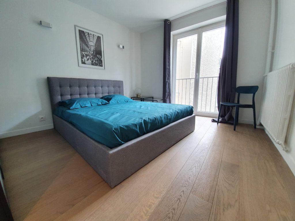 Appartement à louer 3 56m2 à Paris 15 vignette-4