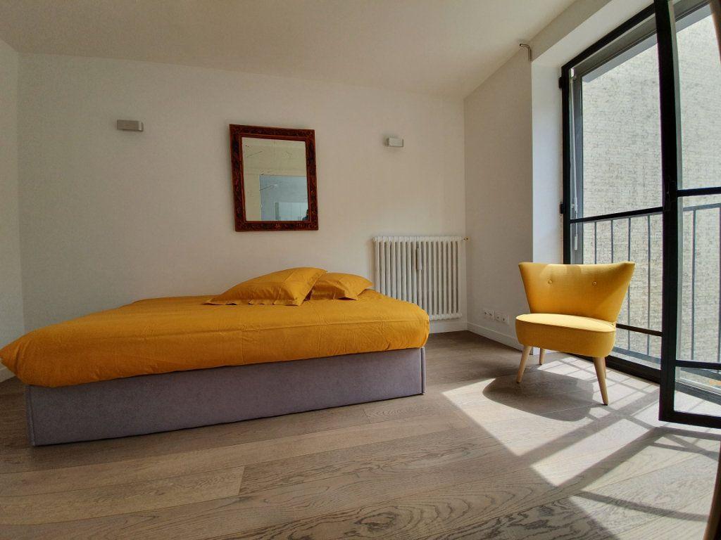 Appartement à louer 3 56m2 à Paris 15 vignette-5