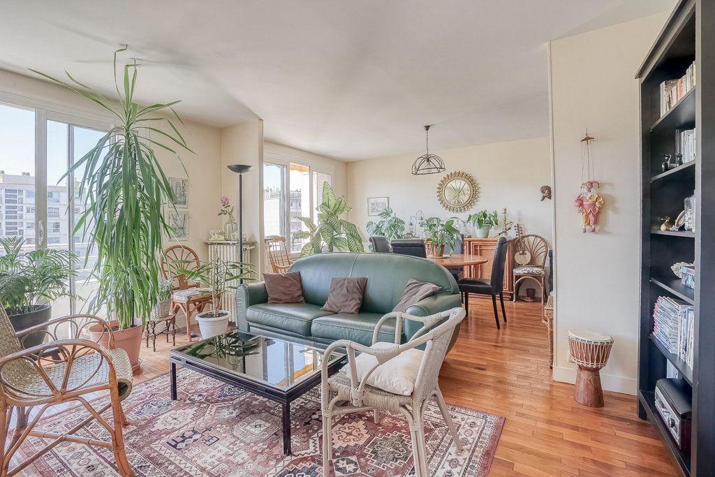 Appartement à vendre 4 82.85m2 à Boulogne-Billancourt vignette-1