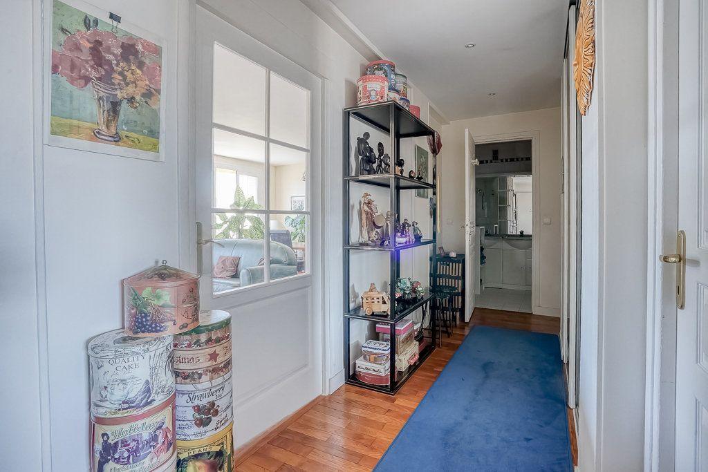 Appartement à vendre 4 82.85m2 à Boulogne-Billancourt vignette-2
