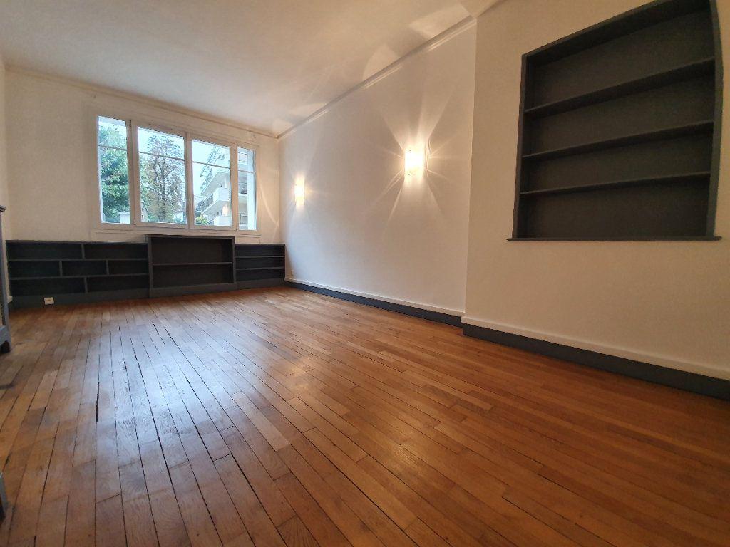 Appartement à louer 1 40.15m2 à Boulogne-Billancourt vignette-2