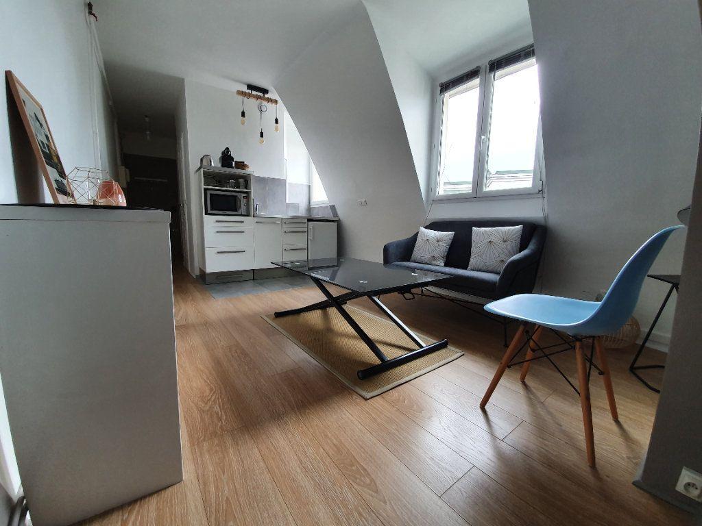 Appartement à louer 2 27.89m2 à Boulogne-Billancourt vignette-1
