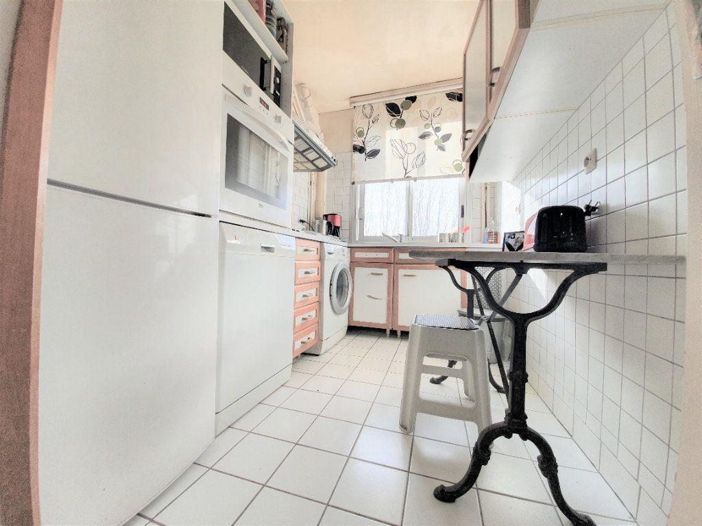 Appartement à vendre 4 70m2 à Boulogne-Billancourt vignette-4