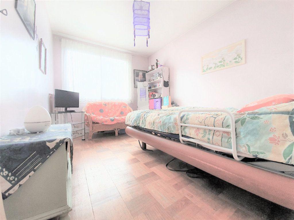 Appartement à vendre 4 70m2 à Boulogne-Billancourt vignette-6