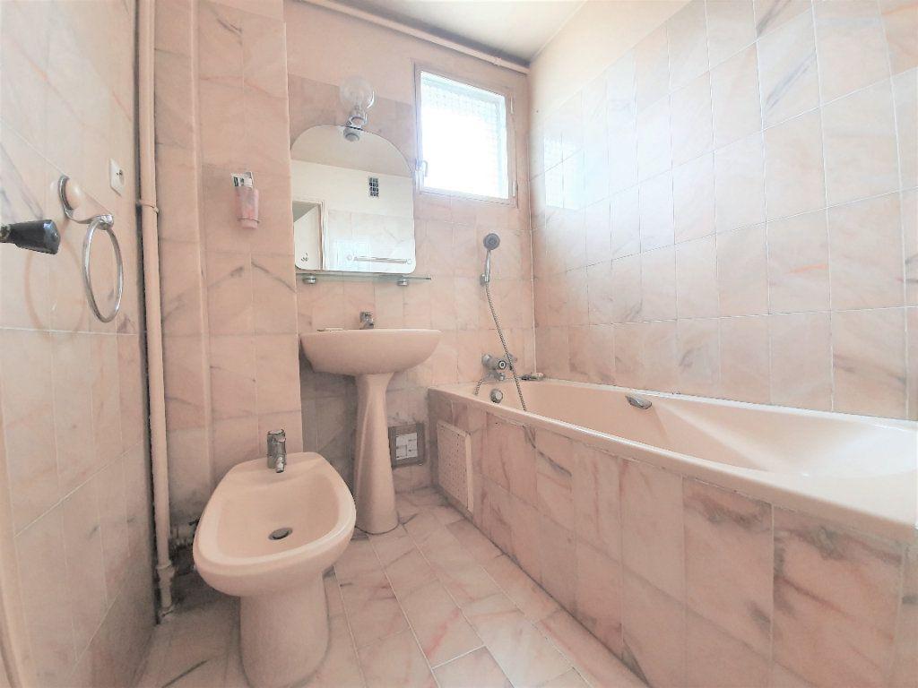 Appartement à vendre 4 70m2 à Boulogne-Billancourt vignette-8
