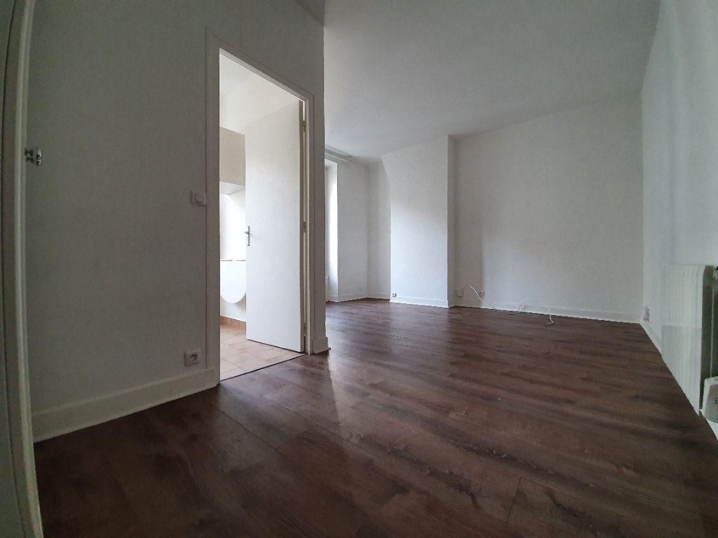 Appartement à louer 1 23.5m2 à Boulogne-Billancourt vignette-2