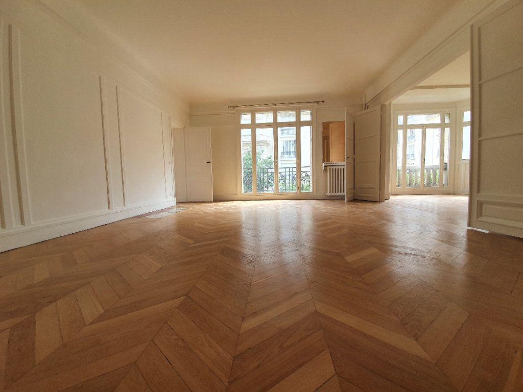 Appartement à louer 4 132.47m2 à Paris 16 vignette-2
