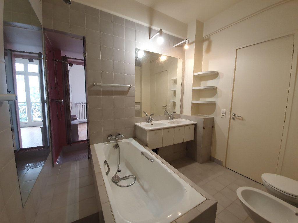Appartement à louer 4 132.47m2 à Paris 16 vignette-5