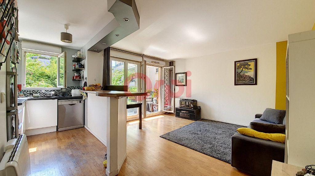 Appartement à vendre 3 54m2 à Suresnes vignette-2