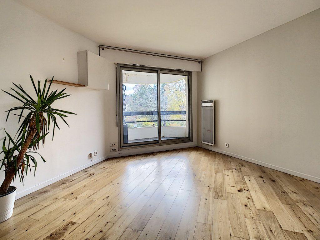 Appartement à louer 4 78m2 à Suresnes vignette-2