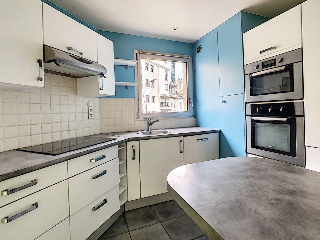 Appartement à louer 4 78m2 à Suresnes vignette-3